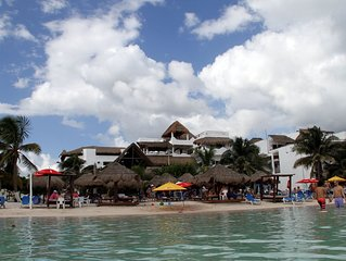 Luxury Beach Condo with views of Caribbean Sea in heart of Mahahual - Costa Maya
