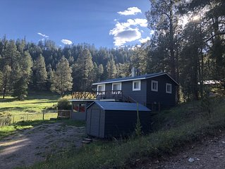 Adorable 3BR/2BA house in the heart of the Jemez Mountains(La Cueva Area)
