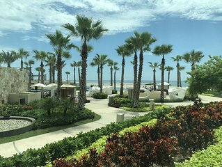 Amazing vacation at the newly renovated The Grand Mayan Resort (Los Cabo)