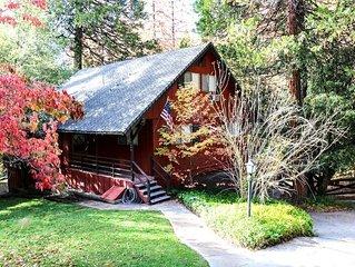 Beautiful Waterfront Lodge Sleeps 12 with Boat Dock, Lake Views & Near Yosemite!