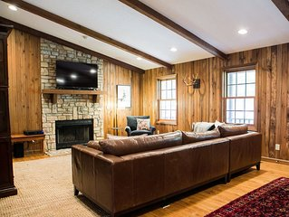 Spacious 5BR Hocking Hills Lodge with an amazing view