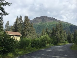 Amazing home just outside the heart of Kenai Fjords National Park!!!