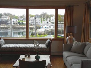Tranquil VIEWS - HEART OF HISTORICAL ROCKPORT  with Reserved Parking