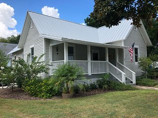 Beautiful Historic District Home - walk to town & waterfront