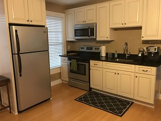 Nicely furnished guest cottage in the heart of historic Riverside (Jax)