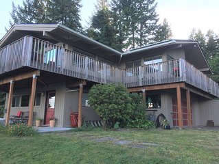 Enjoy up close views of Quartermaster Harbor near to all Vashon has to offer
