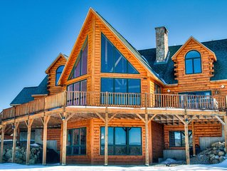 Beautiful, spacious and elegant ski chalet with lots of amenities