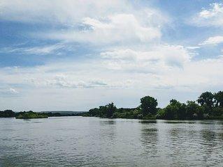 Missouri River Getaway