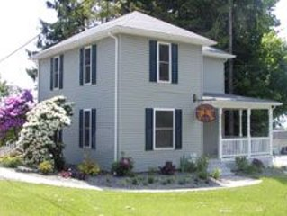 Home of the ORIGINAL Mountaineer!, holiday rental in Reedsville