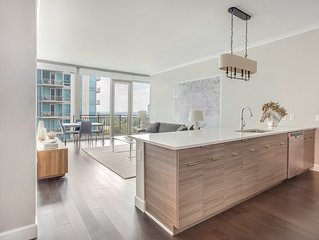 BUCKHEAD HIGH-RISE UNIT WITH BREATHTAKING CITY VIEWS