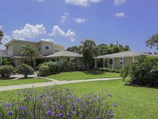 3 Bedroom Private Tropical Oasis ! Pool ,Hot Tub, Darts , Mini Gym ,Golf Area