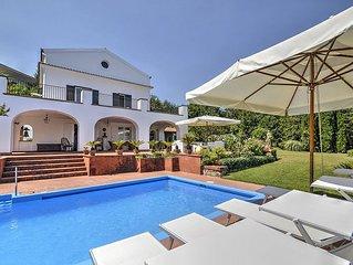 Villa Orizzonte: Una elegante ed accogliente villa su tre piani circondata dal v