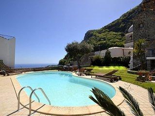 Residence Serenata A: Un incantevole appartamento che e parte di una villa.