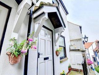 Seamstress Cottage - Two Bedroom House, Sleeps 4