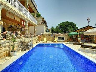 Attraktive Ferienwohnung mit Pool, Schlafbereich, Küche, Bad, Klima, WLAN, Terra