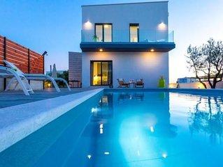 Ferienhaus Sukošan für 1 - 8 Personen mit 4 Schlafzimmern - Ferienhaus