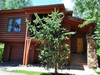 RMR: Moose Creek Townhouse in Teton Village + private Hot Tub + Free Fun!