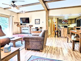 Ground Floor Sleeps 6 Pool, Hot Tubs, Walk to Base, Fireplace