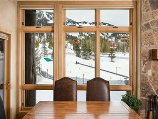 RMR: 2 BR Luxury Ski in/Ski out Condo base of Gondola! FREE ACTIVITIES!