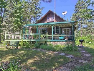 NORTHERN MICHIGAN LOG CABIN 'ON CRAVEN POND'  IN BELLAIRE near TORCH LAKE