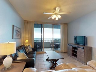 Great for Families-Gulf Front Spacious Condo-Clubhouse Amenities!
