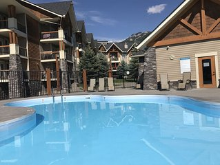 Gorgeous Condo in Radium Hot Springs with a view!