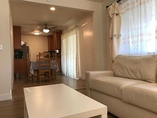 New 2Bd/1Ba Apartment for Business and Vacation. Super location!