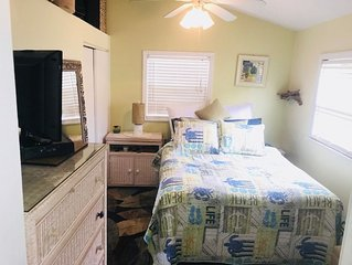 FULLY RENOVATED BEACH BUNGALOW! A COUPLES very own COZY and PRIVATE   paradise.