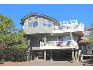Barnegat Light (Long Beach Island, New Jersey) Newly Renovated Oceanside Home