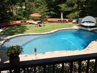 Beautiful Country Getaway, 5 Miles From Elvis's Graceland, Serene Waterfall/Pool