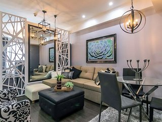 New Stylish Condo, Centrally Located BGC, WiFi