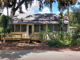 EXPERIENCE AUTHENTIC OLD FLORIDA * THIS CRACKER COTTAGE; WALK TO DE LEON SPRINGS