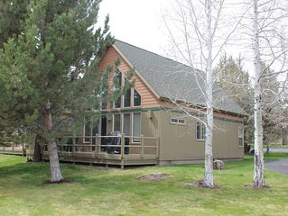 Newly renovated Chalet in the heart of Eagle Crest!