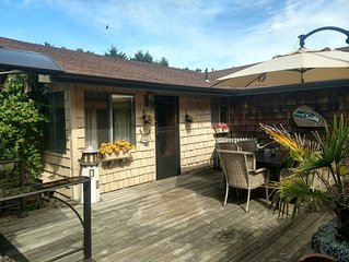 Easy 5 Minute Walk to Beach-Large Fenced Yard-Private Patio-Wood Stove-Dogs OK!!