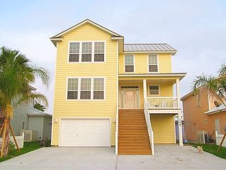 Stunning home! 2 Community Pools! Beach Boardwalk!