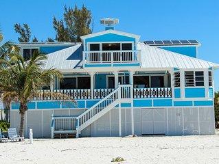 Beachfront Oasis w/AmazingViews! Steps to beach.Boat Rental Avail.Priv Doc. WiFi