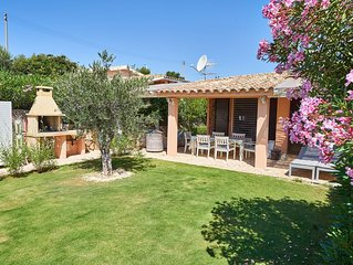 Charming Villa with garden close the beach