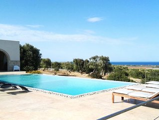 Villa con piscina privata vista mare in Salento
