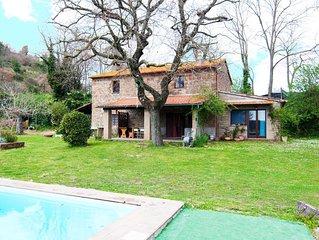 Meraviglioso casale con piscina panoramica nella Tuscia
