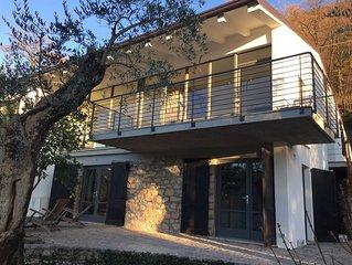 Villa Candoras Appartementhaus, 240qm+Patio mit Seeblick auf eigenem Olivenhain
