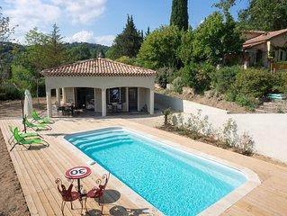 Maison trois suites parentales. Piscine privée. 25 Kms Cannes / Grasse/ Fréjus