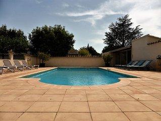 Belle propriete et grande piscine 8m/12m privatives proches Isle sur Sorgue