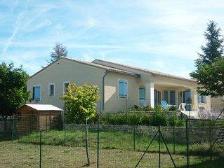 Maison avec terrasse et jardin a Sault en Provence