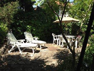 Appartement  avec jardin 3 à 4 personnes, quartier résidentiel,proche plage