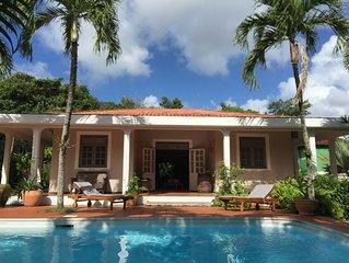 Villa  créole classée 3*, avec piscine,  pour 8 à 10  personnes, tout équipée.