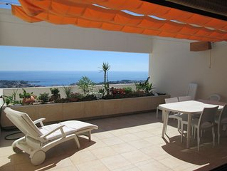 Bandol 83 appartement T3 vue mer panoramique avec piscine