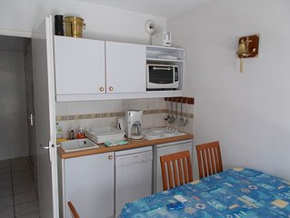 Appartement T2 à La Chaume dans résidence avec piscine et à 100m de la mer