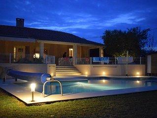 grande maison familiale tout confort en campagne avec piscine chauffée