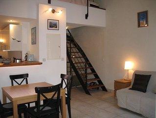 Appartement dans maison de pêcheur traditionnelle / rue piétonne typique