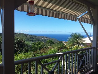 Jolie villa creole, belle vue degagee sur la mer caraibe et les pitons du Carbet